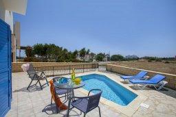 Бассейн. Кипр, Сиренс Бич - Айя Текла : Вилла с 3-мя спальнями, с бассейном и барбекю, расположена у аквапарка Waterworld