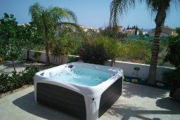 Территория. Кипр, Каво Марис Протарас : Потрясающая вилла с 4-мя спальнями, бассейном, зелёным двориком, джакузи и традиционной глиняной печью, расположена в тихом районе Протараса