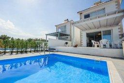 Фасад дома. Кипр, Ионион - Айя Текла : Потрясающая вилла на берегу моря с 3-мя спальнями, с бассейном, с террасой и панорамным видом на Средиземное море