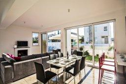 Гостиная. Кипр, Каппарис : Современная и роскошная вилла с 3-мя спальнями, с просторным бассейном, патио и барбекю