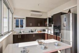 Кухня. Кипр, Каппарис : Современная и роскошная вилла с 3-мя спальнями, с просторным бассейном, патио и барбекю