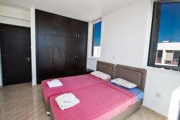 Спальня. Кипр, Каппарис : Потрясающая современная вилла с 3-мя спальнями, с просторным бассейном, солнечной террасой с патио и барбекю