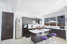 Кухня. Кипр, Каппарис : Современная комфортабельная вилла с 3-мя спальнями, с просторным бассейном и солнечной террасой с барбекю