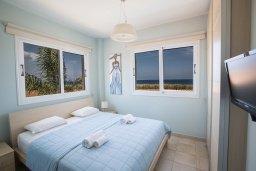Спальня. Кипр, Пернера Тринити : Потрясающая вилла с видом на море, с 3-мя спальнями, с бассейном, солнечной террасой с патио и барбекю
