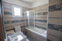 Ванная комната. Кипр, Пернера Тринити : Потрясающая вилла с видом на море, с 3-мя спальнями, с бассейном, солнечной террасой с патио и барбекю