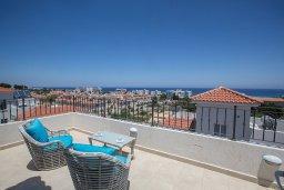 Терраса. Кипр, Каво Марис Протарас : Просторная и современная вилла с 4-мя спальнями, с бассейном и солнечной террасой на крыше с панорамным видом на Средиземное море
