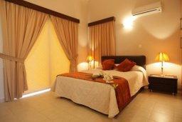 Спальня. Кипр, Писсури : Вилла с бассейном, большая гостиная, 3 спальни, 3 ванные комнаты, дворик, парковка, место для барбекю, Wi-Fi