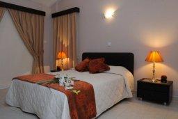 Спальня. Кипр, Писсури : Вилла с бассейном, большой гостиной, 3 спальни, 3 ванные комнаты, место для барбекю, зеленый дворик, парковка, Wi-Fi