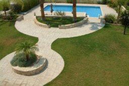 Территория. Кипр, Писсури : Вилла с бассейном, большой гостиной, 3 спальни, 3 ванные комнаты, место для барбекю, зеленый дворик, парковка, Wi-Fi