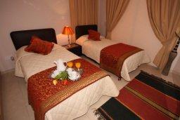 Спальня 2. Кипр, Писсури : Вилла с бассейном и зеленым двориком, большой гостиной, 3 спальни, 2 ванные комнаты, место для барбекю, парковка, Wi-Fi