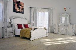 Спальня 2. Кипр, Си Кейвз : Великолепная вилла с видом на море, с 5-ю спальнями, с просторным бассейном, в окружении красивого сада