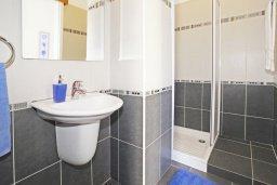 Ванная комната. Кипр, Санрайз Протарас : Роскошная двухэтажная вилла с 3-мя спальнями, с приватным садом с барбекю и просторным бассейном