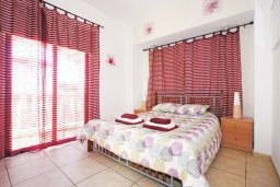 Спальня. Кипр, Санрайз Протарас : Роскошная двухэтажная вилла с 3-мя спальнями, с приватным садом с барбекю и просторным бассейном