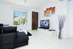 Гостиная. Кипр, Пернера Тринити : Потрясающая новая двухэтажная вилла с 3-мя спальнями, с бассейном и солнечной террасой с барбекю