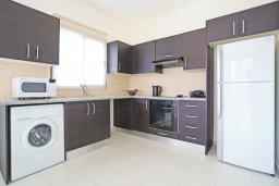 Кухня. Кипр, Коннос Бэй : Комфортабельная двухэтажная вилла с 3-мя спальнями, с бассейном и патио