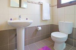 Ванная комната. Кипр, Коннос Бэй : Комфортабельная двухэтажная вилла с 3-мя спальнями, с бассейном и патио