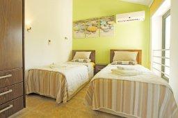Спальня 3. Кипр, Фиг Три Бэй Протарас : Шикарная вилла с 3-мя спальнями, с бассейном, в окружении красивого сада, с настольным теннисом, бильярдом и lounge-зоной