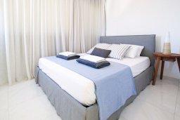 Спальня. Кипр, Санрайз Протарас : Шикарная современная вилла с 2-мя спальнями, с бассейном и патио, расположена около прекрасного залива Flamingo Bay