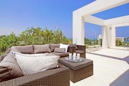 Балкон. Кипр, Санрайз Протарас : Шикарная современная вилла с 2-мя спальнями, с бассейном и патио, расположена около прекрасного залива Flamingo Bay