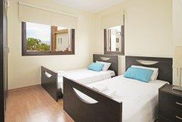 Спальня 2. Кипр, Ионион - Айя Текла : Прекрасная двухэтажная вилла в 100 метрах от моря с 3-мя спальнями,  с бассейном и приватным двориком