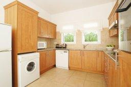 Кухня. Кипр, Пернера Тринити : Красивая двухэтажная вилла с 3-мя спальнями, с зелёным двориком и джакузи