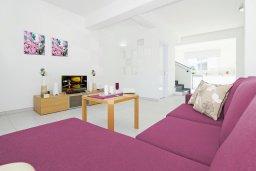 Гостиная. Кипр, Пернера Тринити : Новая роскошная двухэтажная вилла с 3-мя спальнями, с бассейном, патио и барбекю