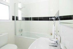Ванная комната. Кипр, Пернера Тринити : Новая роскошная двухэтажная вилла с 3-мя спальнями, с бассейном, патио и барбекю