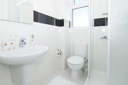 Ванная комната 2. Кипр, Пернера Тринити : Новая роскошная двухэтажная вилла с 3-мя спальнями, с бассейном, патио и барбекю