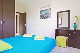 Спальня 2. Кипр, Коннос Бэй : Уютная вилла с 3-мя спальнями, с бассейном и приватным двориком с патио, расположена у национального парка Cape Greco
