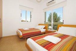 Спальня 2. Кипр, Коннос Бэй : Роскошная красивая двухэтажная вилла с 3-мя спальнями, с бассейном и потрясающим зелёным садом с патио
