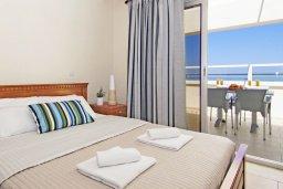 Спальня. Кипр, Каво Марис Протарас : Пентхаус в 100 метрах от пляжа, с 3-мя спальнями, 2-мя ванными комнатами и балконом с видом на море