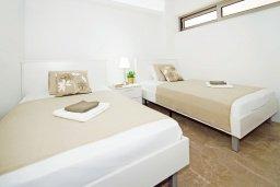 Спальня 2. Кипр, Каво Марис Протарас : Потрясающий апартамент в 100 метрах от пляжа, с двумя спальнями и балконом с шикарным видом на море