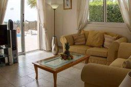 Гостиная. Кипр, Пейя : Комфортабельная вилла с панорамным видом на море и на горы, с 3-мя спальнями, с бассейном и барбекю