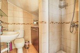 Ванная комната. Кипр, Санрайз Протарас : Современная вилла в 50 метрах от пляжа, с 3-мя спальнями, солнечной террасой с патио и барбекю, расположена у песчаного пляжа Sunrise