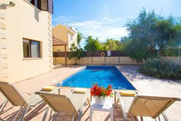 Бассейн. Кипр, Нисси Бич : Прекрасная вилла с 3-мя спальнями, с бассейном, солнечной террасой и барбекю