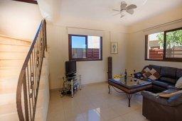 Гостиная. Кипр, Нисси Бич : Прекрасная вилла с 3-мя спальнями, с бассейном, солнечной террасой и барбекю