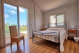 Спальня. Кипр, Пернера Тринити : Шикарная вилла с 4-мя спальнями, с бассейном, красивым садом, патио и барбекю