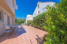 Территория. Кипр, Пернера Тринити : Шикарная вилла с 4-мя спальнями, с бассейном, красивым садом, патио и барбекю