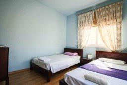 Спальня 2. Кипр, Каппарис : Роскошная вилла с на берегу моря, с 4-мя спальнями, с бассейном и просторным зелёным садом с барбекю