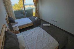 Спальня 2. Кипр, Пернера Тринити : Современный апартамент на побережье, с 2-мя спальнями, с балконом и шикарным видом на море