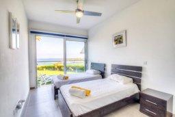 Спальня 2. Кипр, Пернера Тринити : Шикарный современный апартамент на побережье Ayia Triada, с 2-мя спальнями, с уютной верандой и потрясающим панорамным видом на море