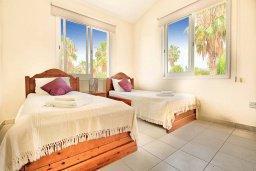 Спальня 2. Кипр, Корал Бэй : Роскошная вилла с 4-мя спальнями, с бассейном, с красивым зелёным садом с солнечной террасой и барбекю