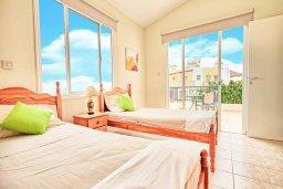 Спальня 2. Кипр, Корал Бэй : Уютная вилла с 2-мя спальнями, с бассейном и зелёным двориком с барбекю, расположена в тихом районе Coral Bay