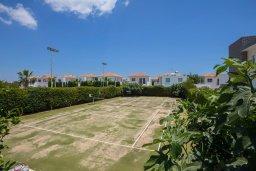 Развлечения и отдых на вилле. Кипр, Пернера : Шикарная вилла с 6-ю спальнями, с большим бассейном, зелёной территорией, традиционной таверной с барбекю и теннисным кортом