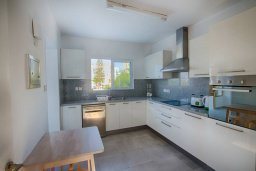 Кухня. Кипр, Фиг Три Бэй Протарас : Прекрасная современная вилла с 3-мя спальнями, с зелёным двориком и барбекю, расположена у знаменитого пляжа Fig Tree Bay