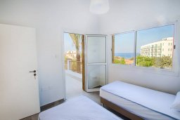 Спальня 2. Кипр, Фиг Три Бэй Протарас : Прекрасная современная вилла с 3-мя спальнями, с зелёным двориком и барбекю, расположена у знаменитого пляжа Fig Tree Bay