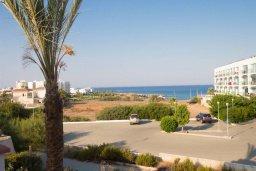 Вид на море. Кипр, Фиг Три Бэй Протарас : Прекрасная современная вилла с 3-мя спальнями, с зелёным двориком и барбекю, расположена у знаменитого пляжа Fig Tree Bay