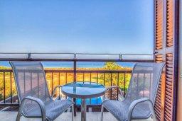 Балкон. Кипр, Каво Марис Протарас : Роскошная вилла с панорамным видом на Средиземное море, с 4-мя спальнями, с бассейном, солнечной террасой и барбекю
