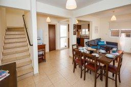Гостиная. Кипр, Нисси Бич : Шикарная вилла с бассейном, с 2-мя спальнями, с настольным теннисом, патио и барбекю