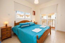 Спальня. Кипр, Нисси Бич : Шикарная вилла с бассейном, с 2-мя спальнями, с настольным теннисом, патио и барбекю